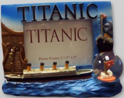 TITANIC 3.5 X 5 FRAME WITH THE TITANIC AND WATER GLOBE MOLDED ON FRAME