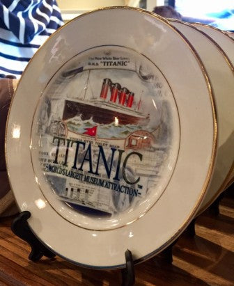 TITANIC POSTCARD 8 INCH COLLECTOR PLATE