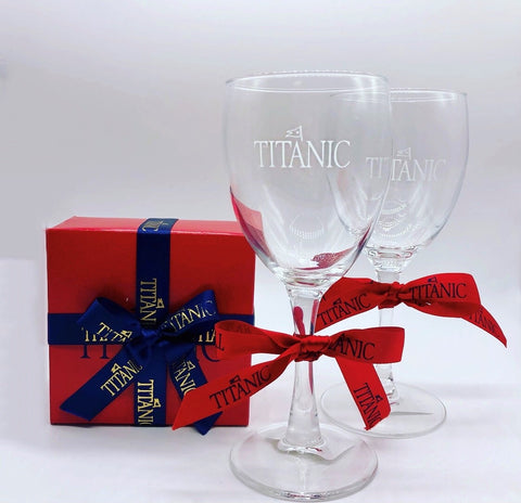 TITANIC ETCHED WINE GLASS