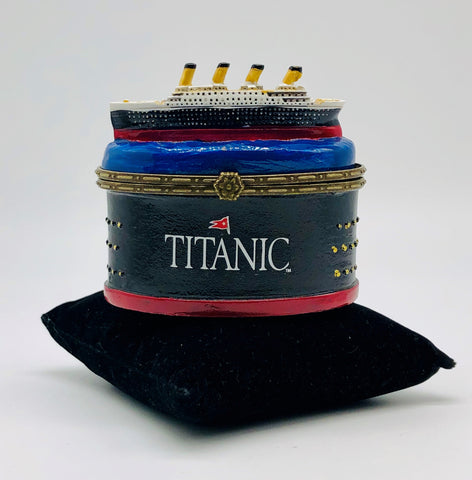 OVAL TRINKET BOX WITH TITANIC ON TOP