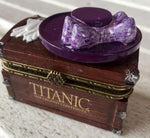ROSE'S  HAT AND GLOVE TRINKET BOX