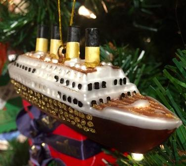 "TITANIC 5"" GLASS ORNAMENT"