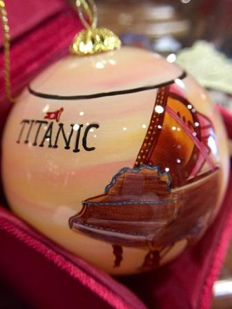 TITANIC MUSIC INSTRUMENT GLASS ORNAMENT