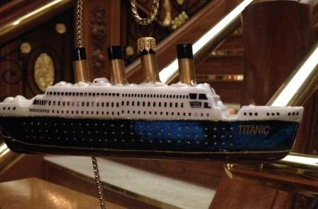 TITANIC COLLECTABLE HAND PAINTED ORNAMENT