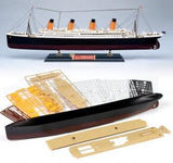 TITANIC LARGE  1/400 SCALE MODEL