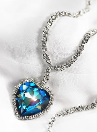 SWAROVSKI DELUXE HEART NECKLACE
