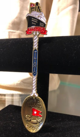 COLLECTOR SPOON WITH TITANIC DISPLAYED ON TOP