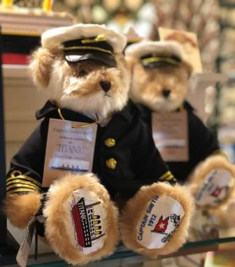 TITANIC MUSEM EXCLUSIVE.... CAPTAIN SMITH COMMEMORATIVE BEAR