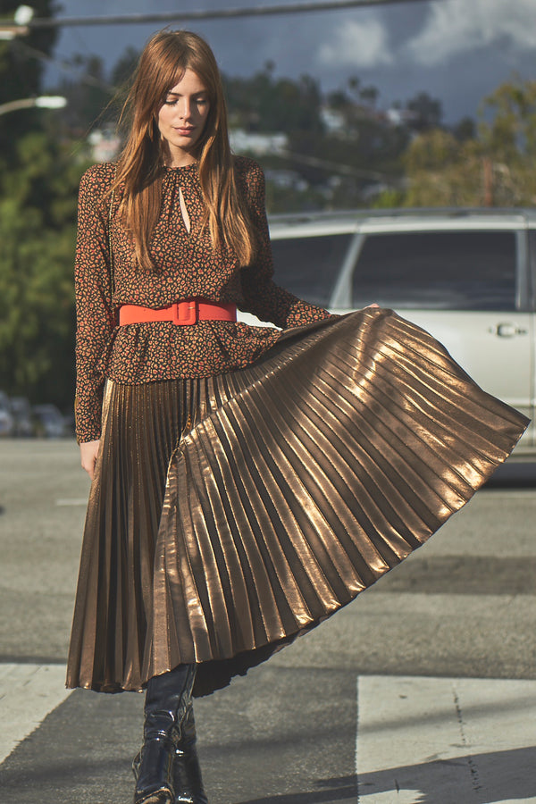 skirt-bronze-Coralie-model