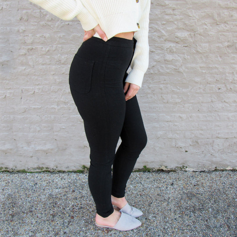 High-Waist Black Jegging