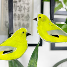 Load image into Gallery viewer, Greenfinch Decoration
