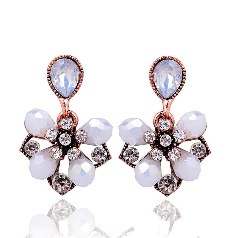 White Petals Stud Earrings