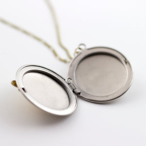 bees knees locket