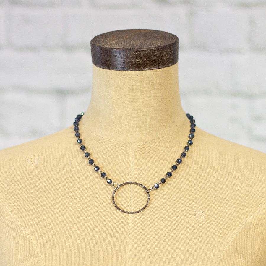 victoria simple circle necklace