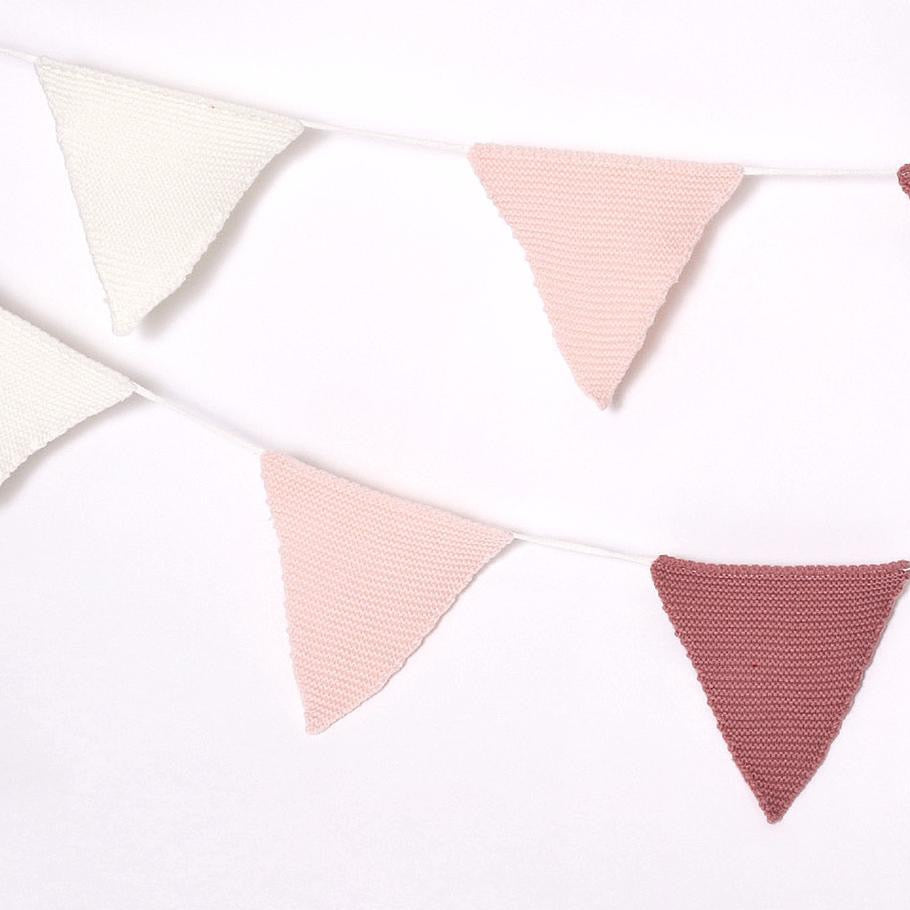 KNITTED BUNTING - PINK