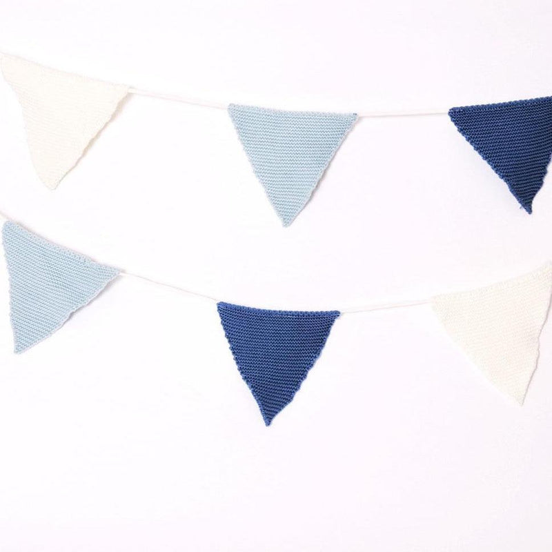 KNITTED BUNTING - BLUE