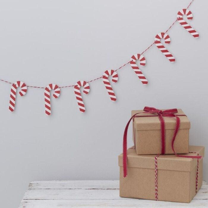 CANDY CANE SHAPED WOODEN CHRISTMAS BUNTING