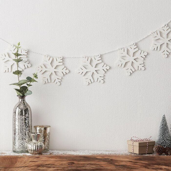 CHRISTMAS WOODEN SNOWFLAKE BUNTING
