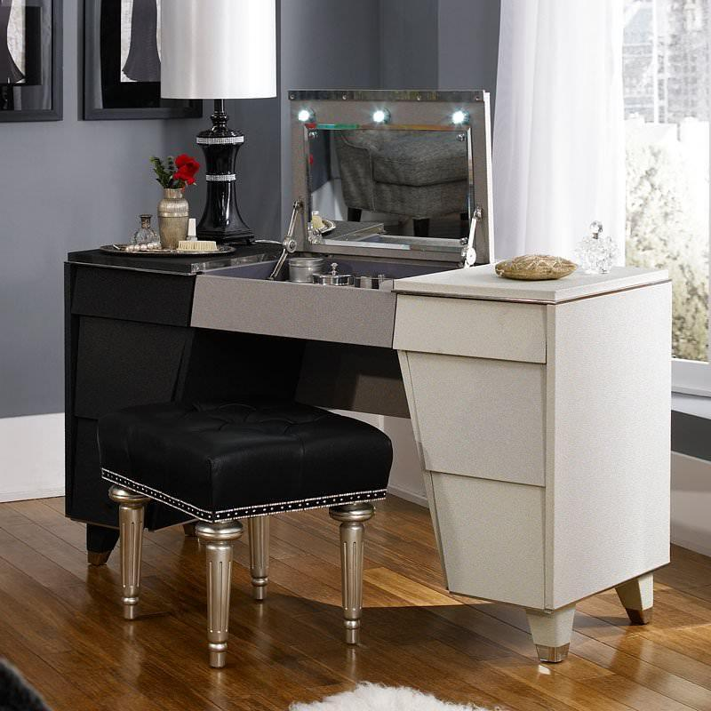 "Michael Amini Aico Bedroom Vanity No, Thank you Aico 53"" Beverly Blvd Vanity"