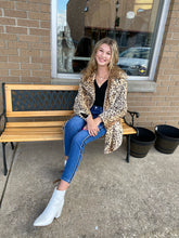 Load image into Gallery viewer, LUX Faux Fur Leopard