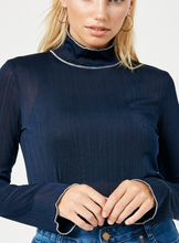 Load image into Gallery viewer, Ribbed Turtle Neck -Wine