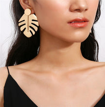 Load image into Gallery viewer, Monstera Leaf Stud Earrings - Gold
