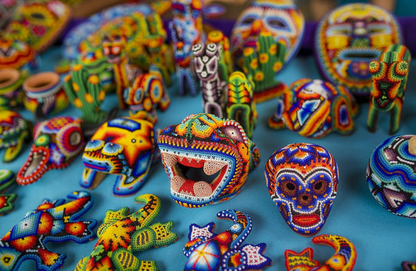 Objets artisanat traditionnel huichol mexicain fait main