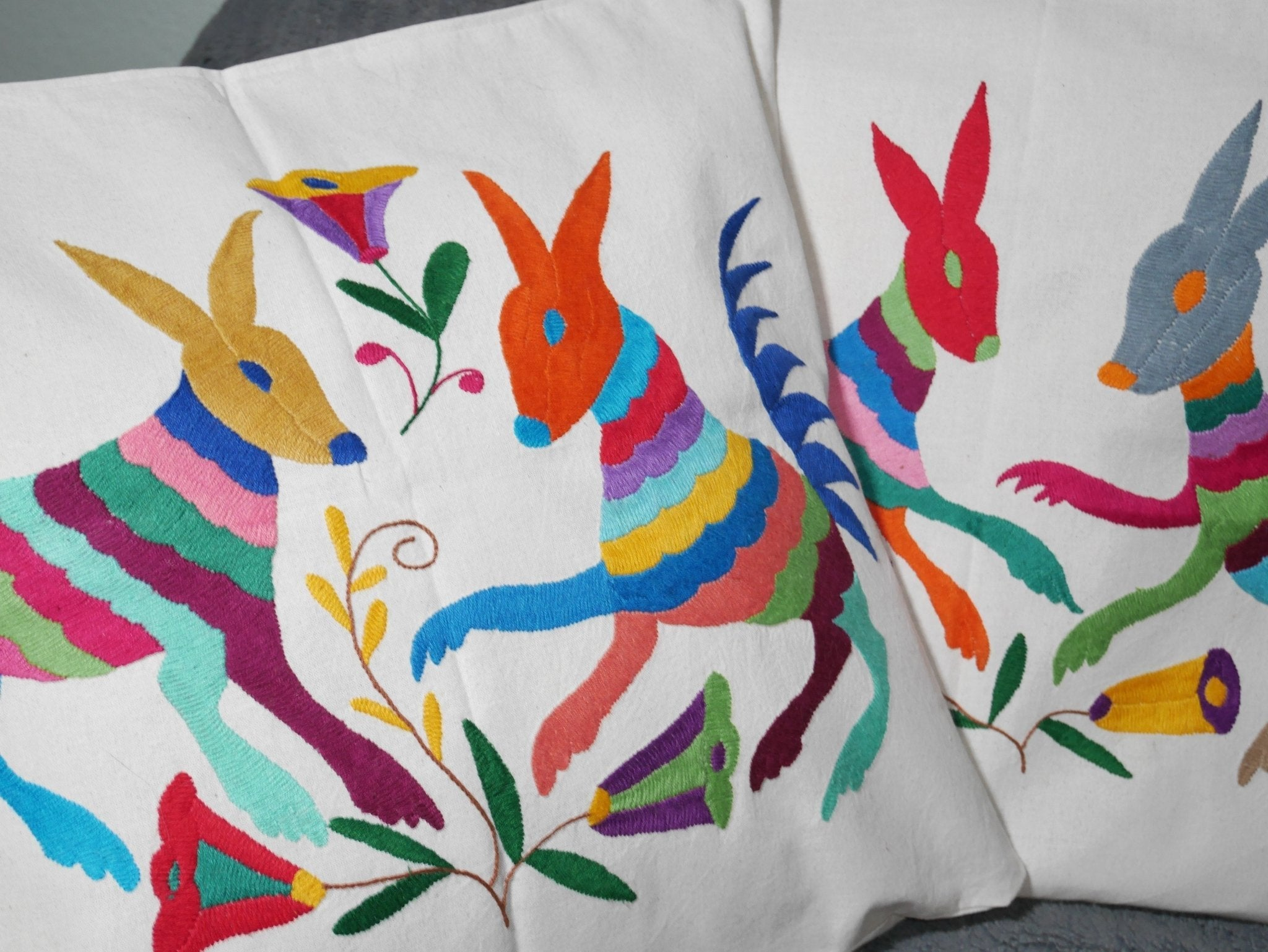 Housse Otomi - Mammifères multicolores - Hecho a Mano