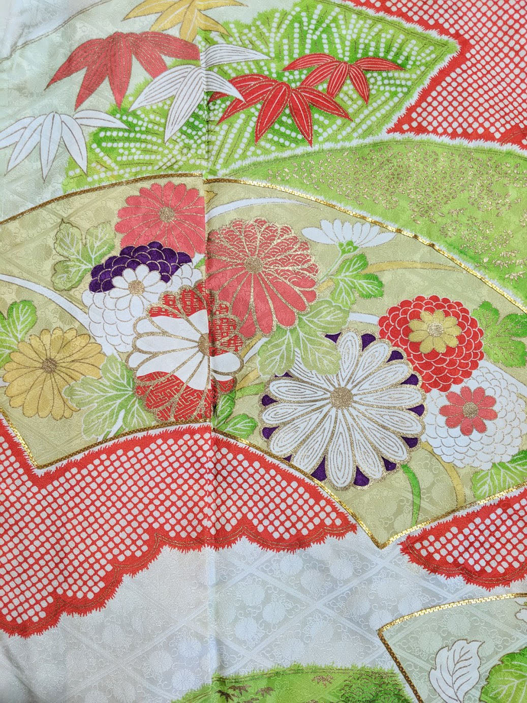 VINTAGE SILK FAN FURISODE