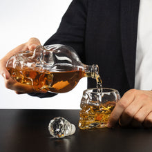 Load image into Gallery viewer, Skull Decanter Large Set with 4 Skull Shot Glasses