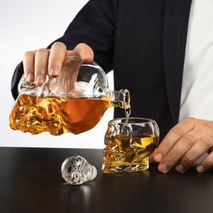Skull Decanter Large Set with 4 Skull Shot Glasses
