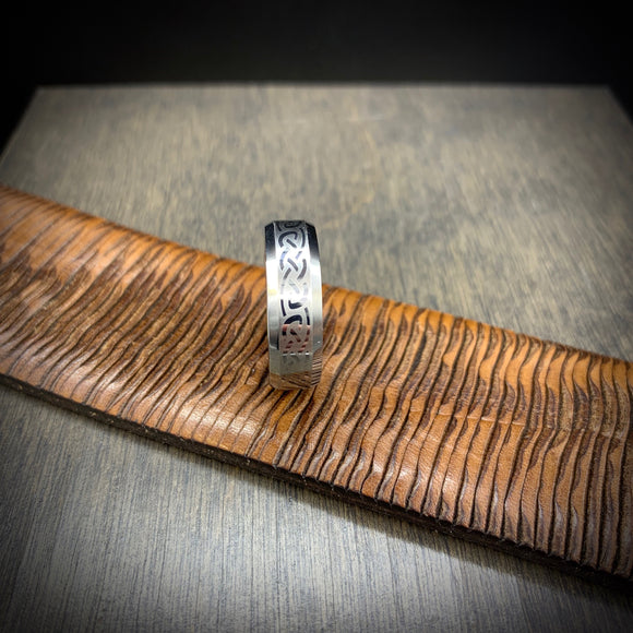 TUNGSTEN CARBIDE + CELTIC PATTERN BAND