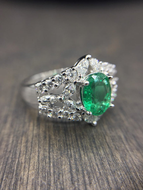 Emerald & Diamond 18kt Ring