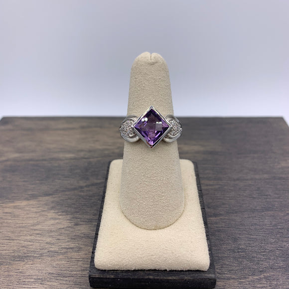 White Gold Princess cut Amethyst & Diamond Ring