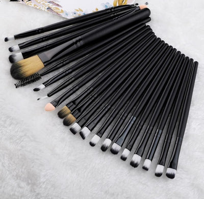 20 Piece Brushes Set  - Cradle Of Goth