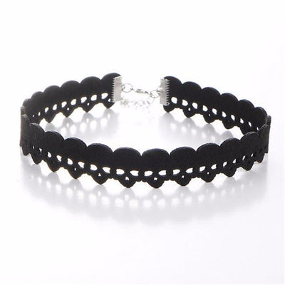 Lurking Skulls Choker  - Cradle Of Goth