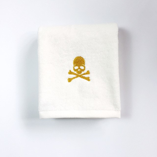 Skull Towel gold / 84x34cm 150grams - Cradle Of Goth