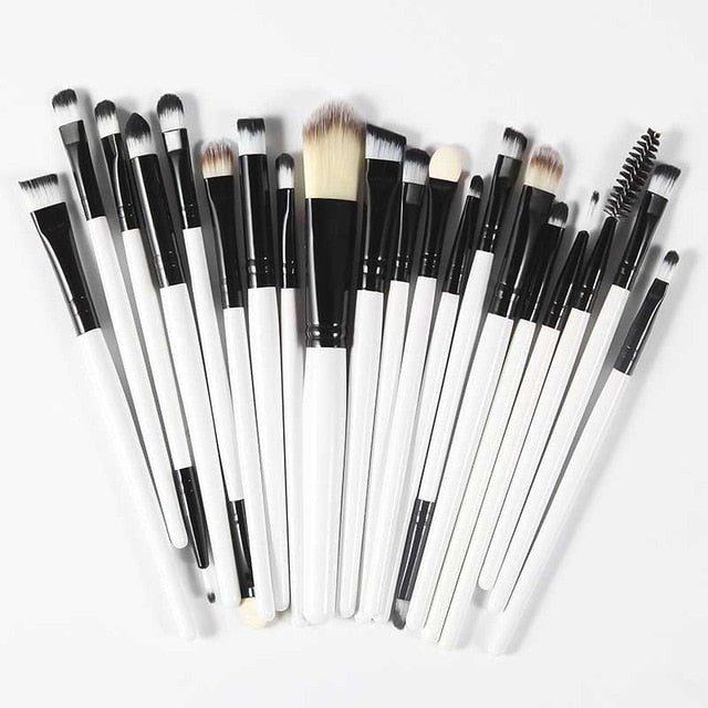 The Living Doll Brushes (20 pieces) Black and White - Cradle Of Goth