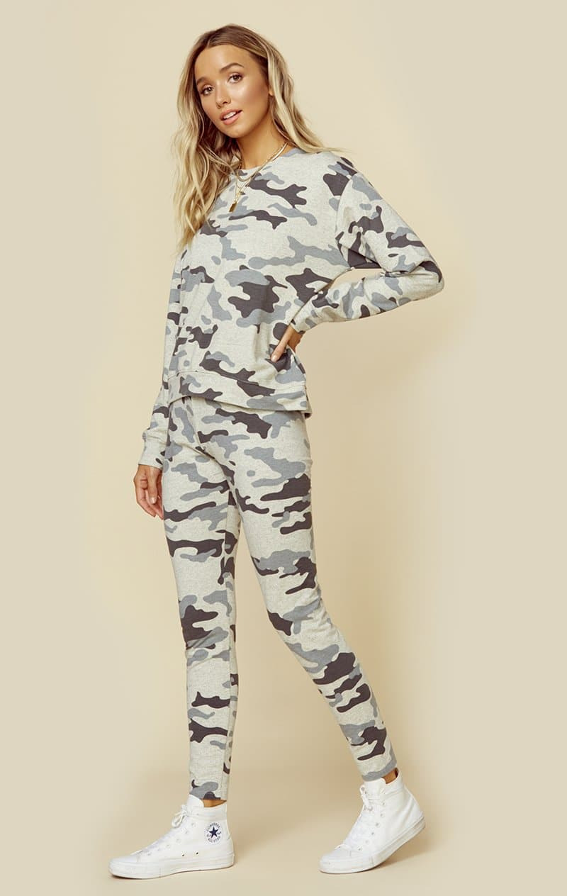 LIGHT GREY CAMO