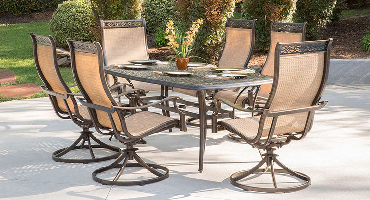 Outdoor dining set from Hanover