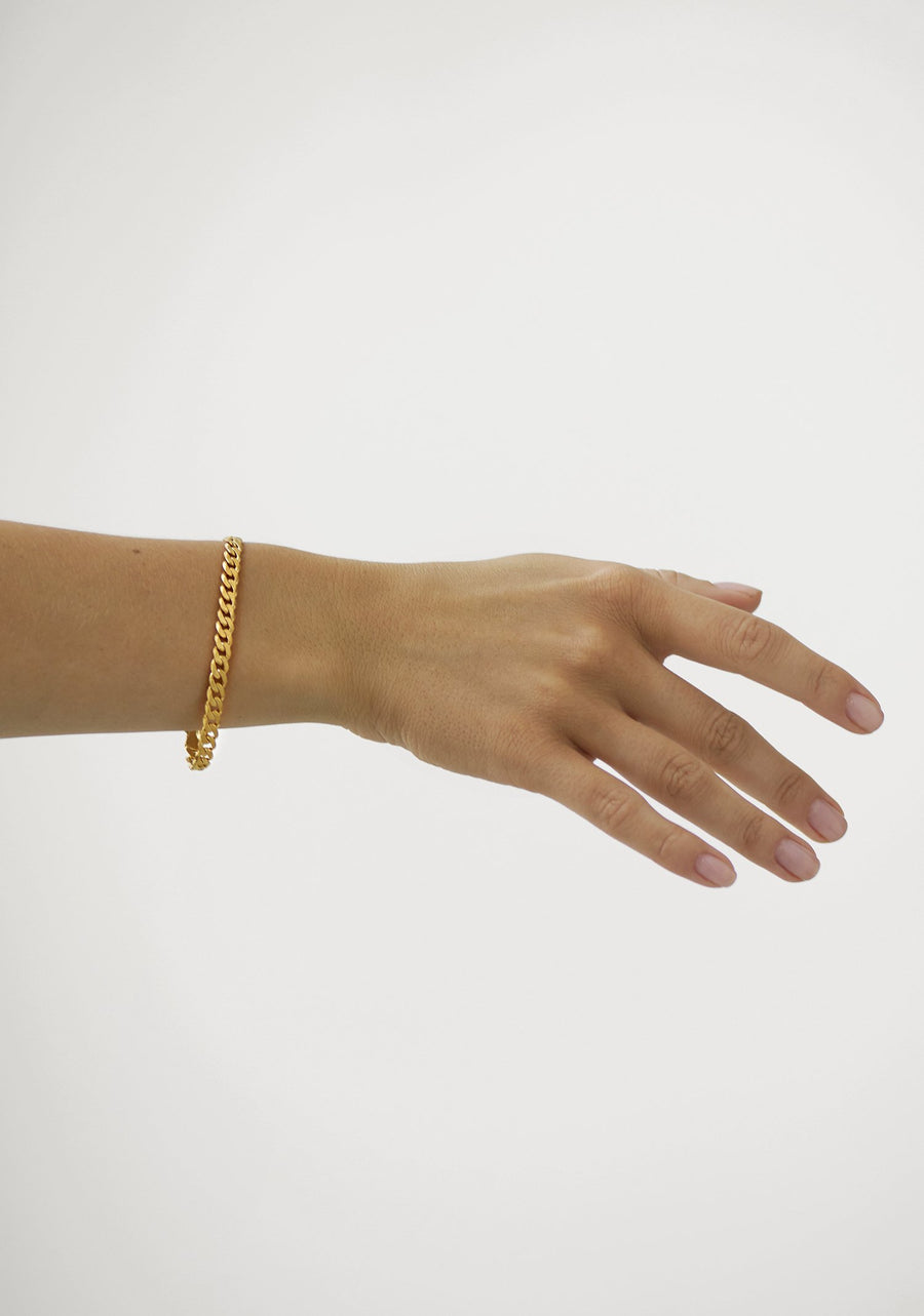 Link Bracelet in Gold on model