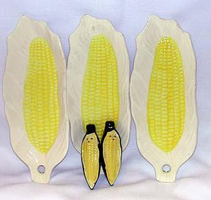 Hoffritz Corn Plates with Corn Shaped Salt & Pepper Shakers