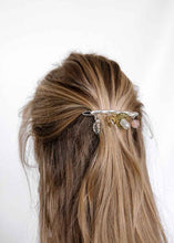 Load image into Gallery viewer, Cled Floral Barrette