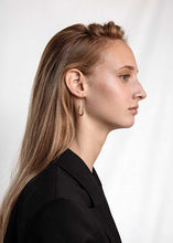 Load image into Gallery viewer, Maria Black Chance Earring