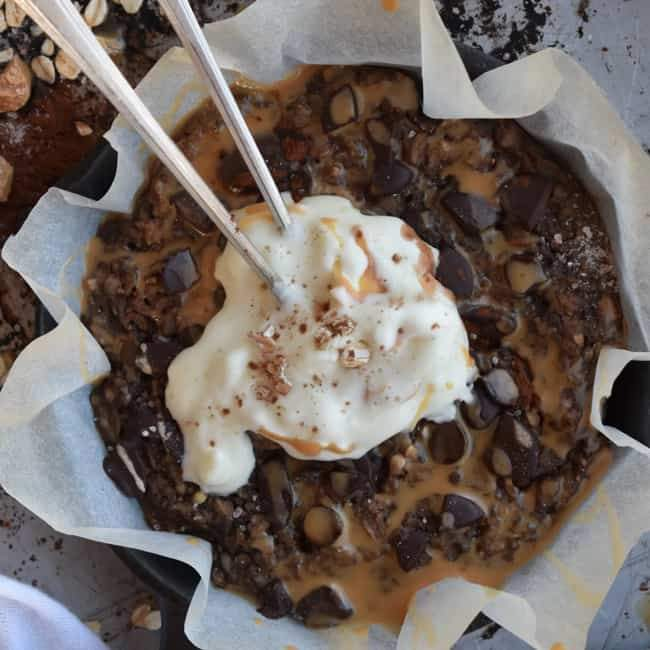 2-Ingredient Vegan Salted Caramel Chocolate Oatmeal Skillet Cookie Recipe