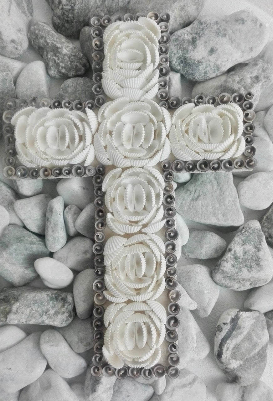 SEASHELL CROSS DOOR HANGING OR WALL HANGING WHITE AND GREY