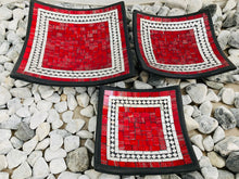 Load image into Gallery viewer, SQUARE MOSAIC PLATES SET 3 RED JELLY