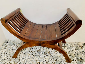 YUYU CHAIR DARK WOOD