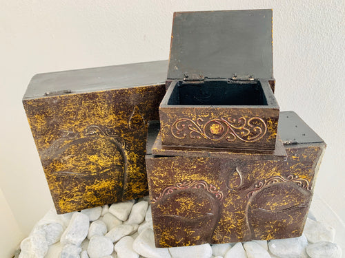 DARK RED/GOLD CARVED WOOD BOX BUDDHA EYES SET OF 3