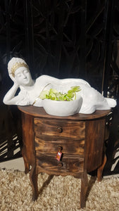 Lying lady with bowl 60cm